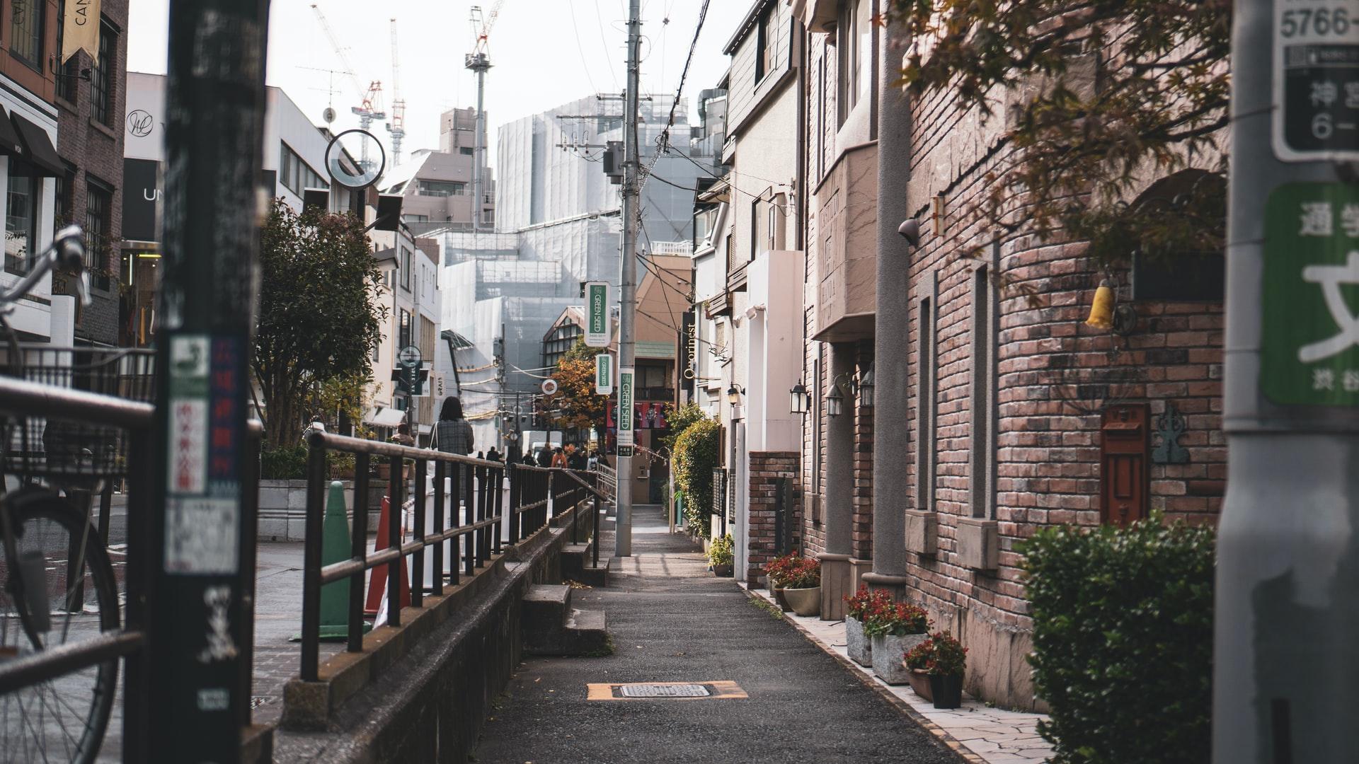 日本で貧困率が高い傾向にある地域とその要因