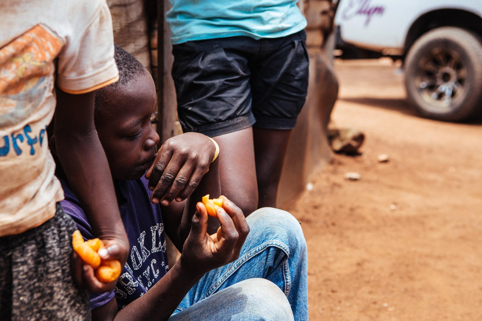 貧困が引き起こす大きな課題