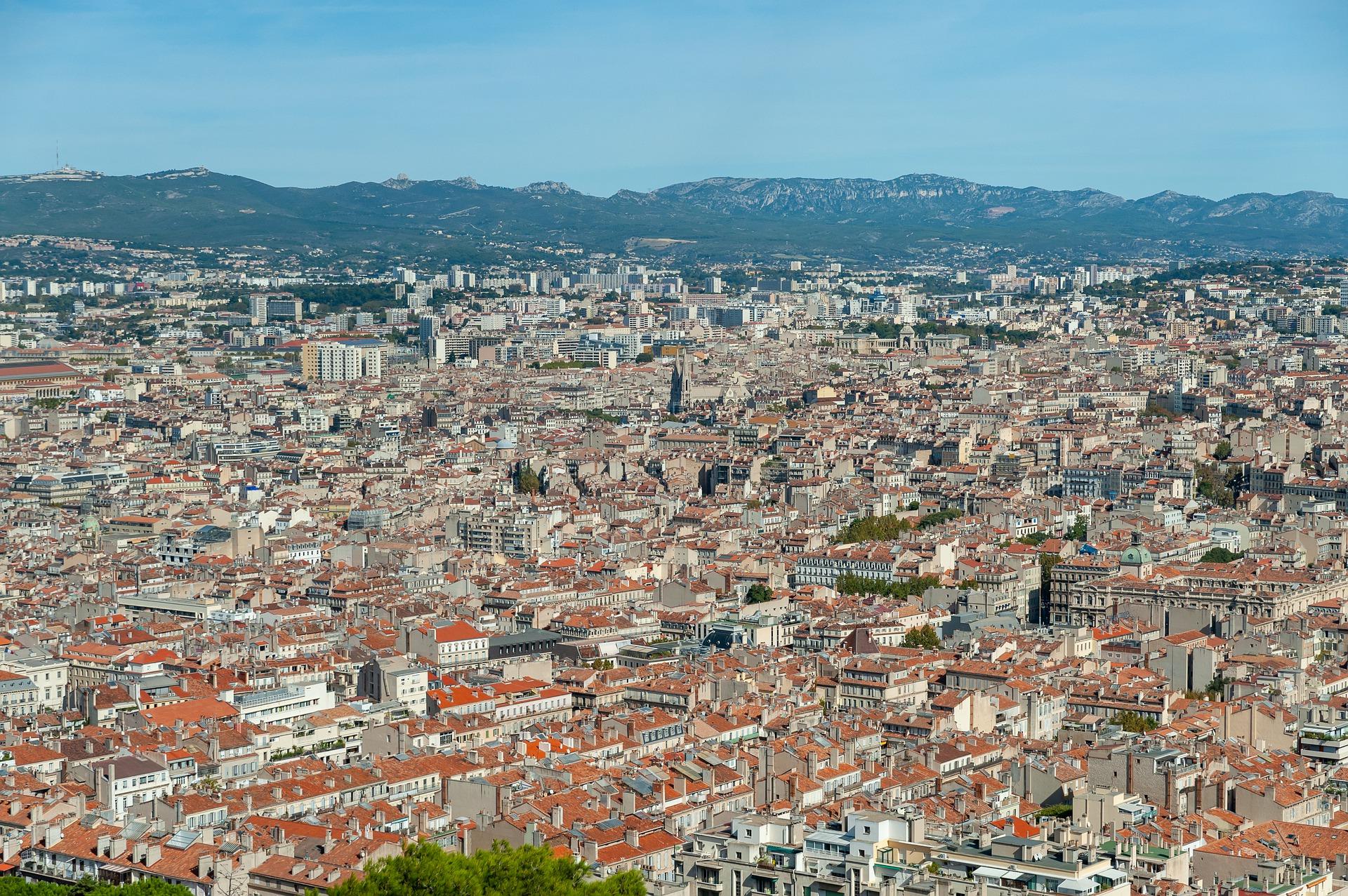 貧困層が多いフランスのエリア