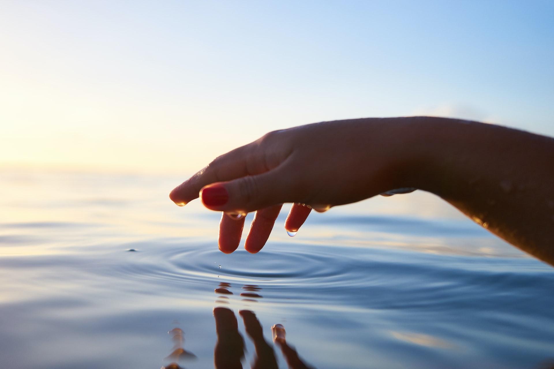 水不足に対する世界の取り組みを紹介