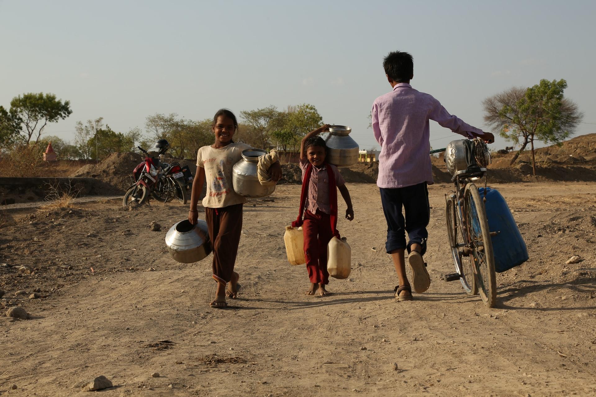 暮らしへの影響 飢餓と貧困、争い