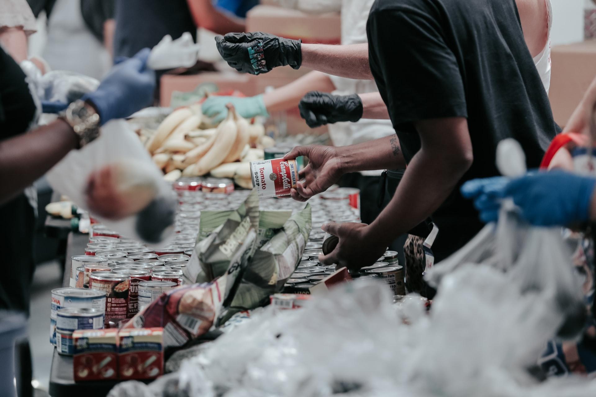 世界の食料援助量は年間420万トン