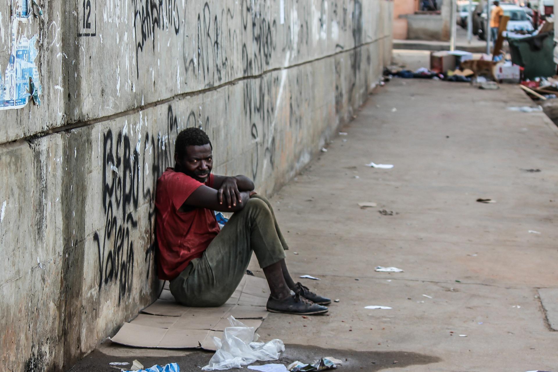 世界における飢餓人口と、その割合は?