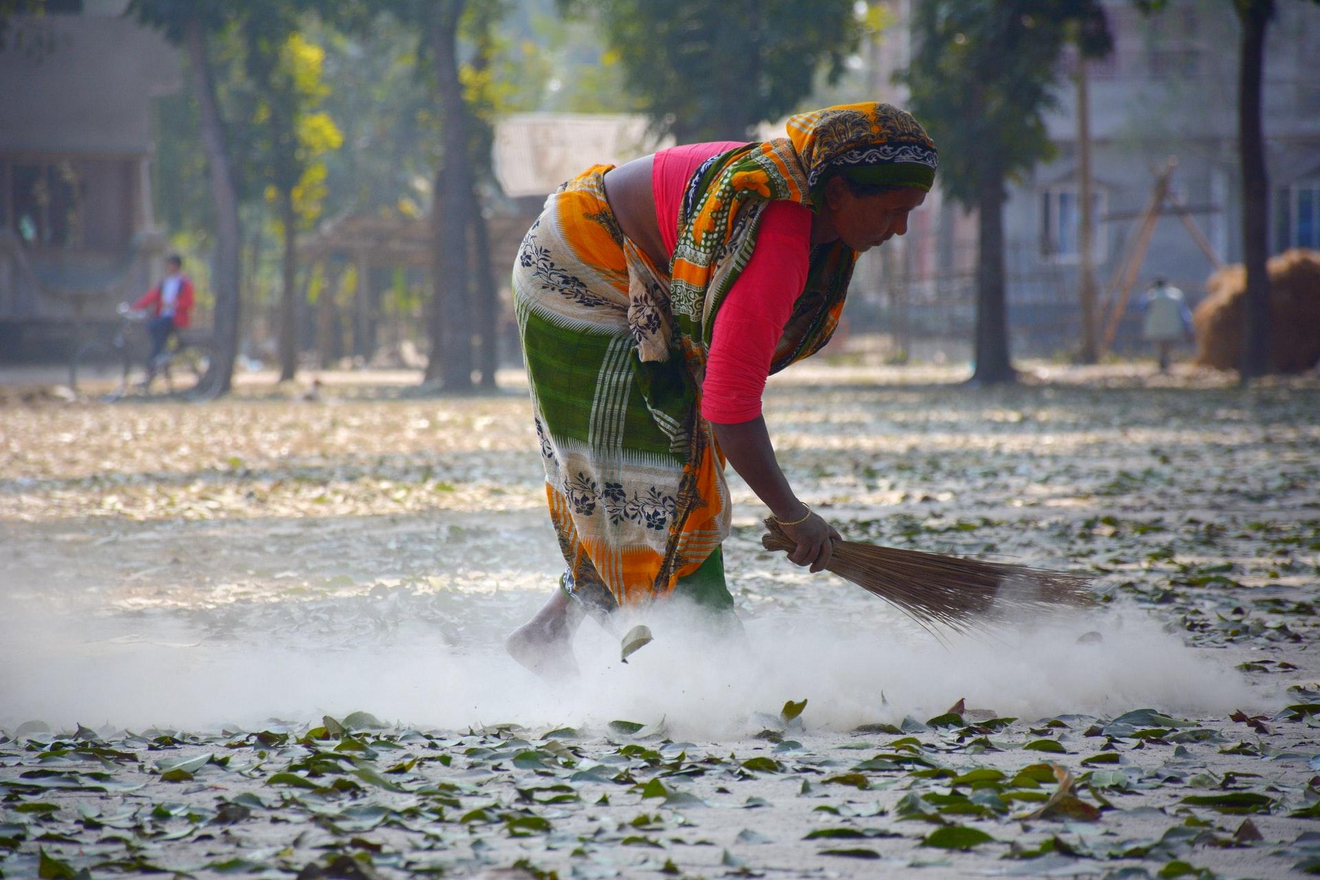 閉鎖的な環境のバングラデシュの女性達