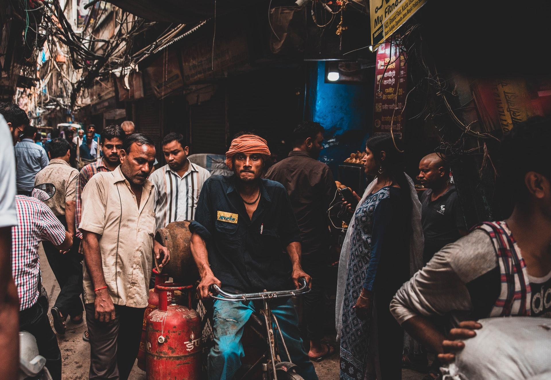 インドは世界の貧困層の約25%を抱えている